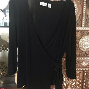 Chicos black top with side tie in EUC